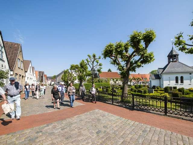 Det historiske kvarter Holmen og kirkegården i Slesvig hører til perlerne blandt seværdighederne ved fjorden Slien.