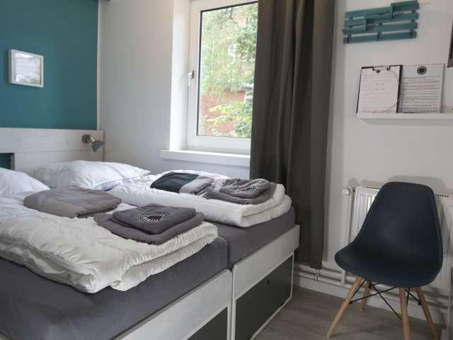 Dobbeltværelse på Flensbed Hostel and Boardinghouse i Flensborg set fra en anden vinkel
