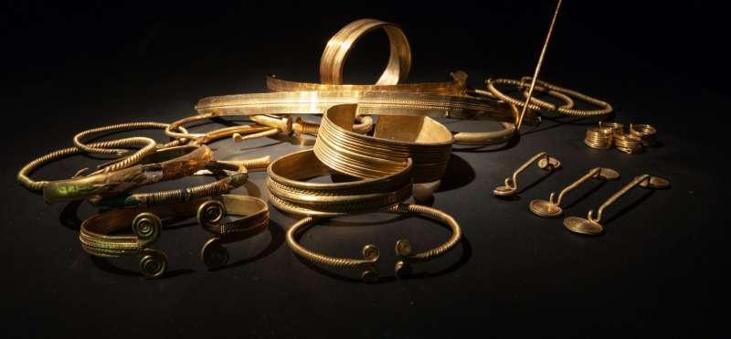 Udstillingsgenstande fra bronsetiden på Museet for Arkæologi på Gottorp Slot i Slesvig