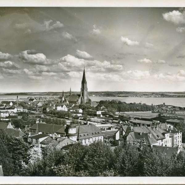 Panoramabillede af domkirken og Slesvigs indre by i 1950erne