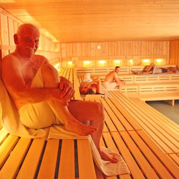 Besøgende i saunaen i Campusbad i Flensborg