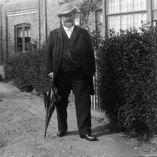 Gustav Johannsen på en lille gåtur