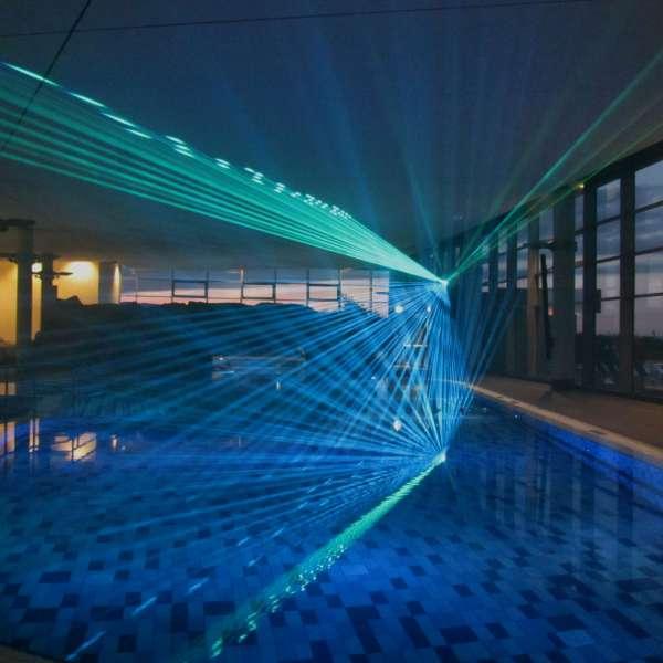 Lasershow i oplevelsesbadet Entdeckerbad på Ostsee Resort Damp