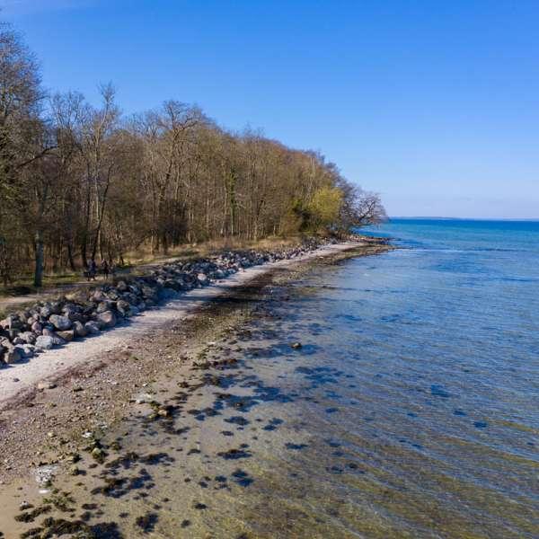Stien ved vandet fra Udmarkhav til Stenbjerghav