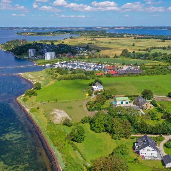 Halvøen Holnæs (Holnis) ved Lyksborg set fra luften