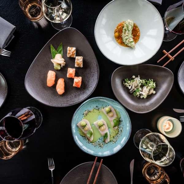 Forretter fra Ruam-Gan-menuen på restauranten SPICES by Tim Raue på ferieresorten A-ROSA Sylt på Sild