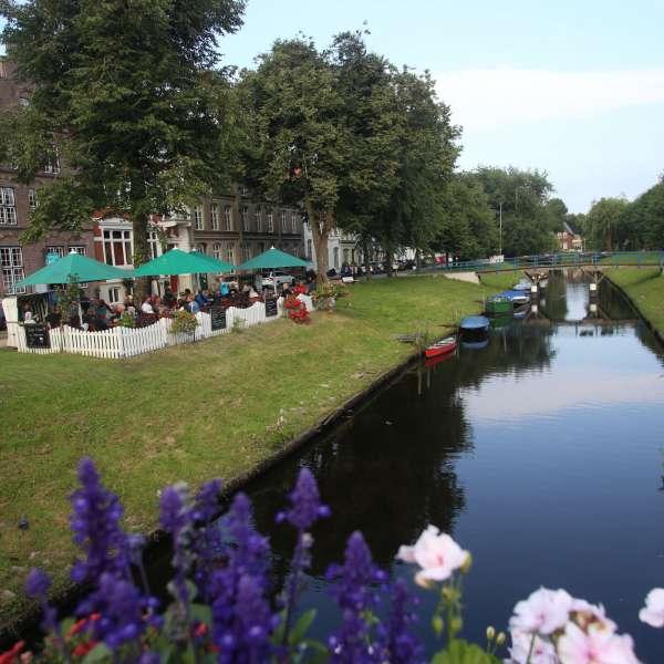 Kanal og historiske bygninger i nærheden af vandrehjemmet i Frederiksstad