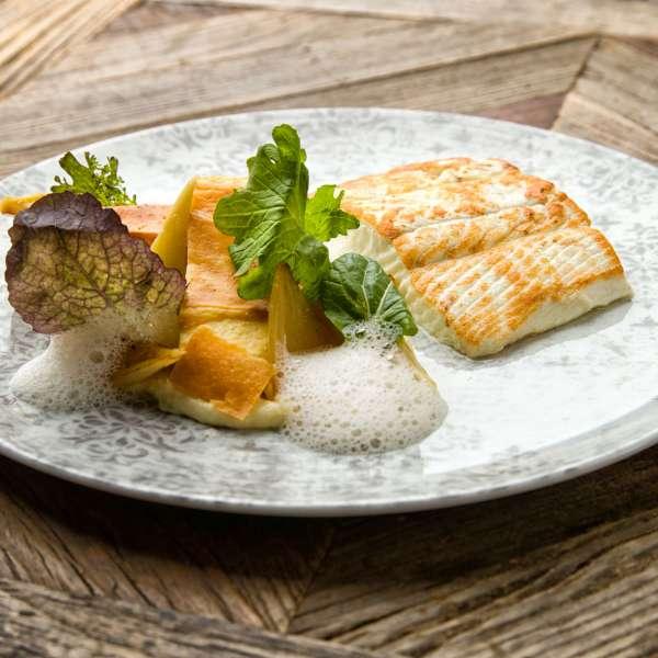 Lækker fiskeret på restaurant Columbus på Hotel Hafen Flensburg i Flensborg