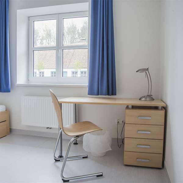 Gruppelederværelse i hovedbygningen på Spejdergården Tydal i Eggebæk