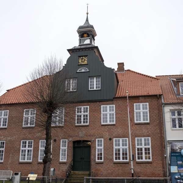 Lejrskolen Skipperhuset i havnebyen Tønning