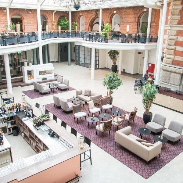 Lobbyen på Hotel Alte Post i Flensborg set oppe fra