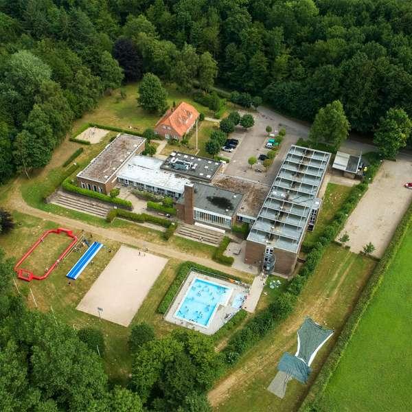 Luftbillede af lejrskole og kursuscentret Christianslyst ved Sønderbrarup