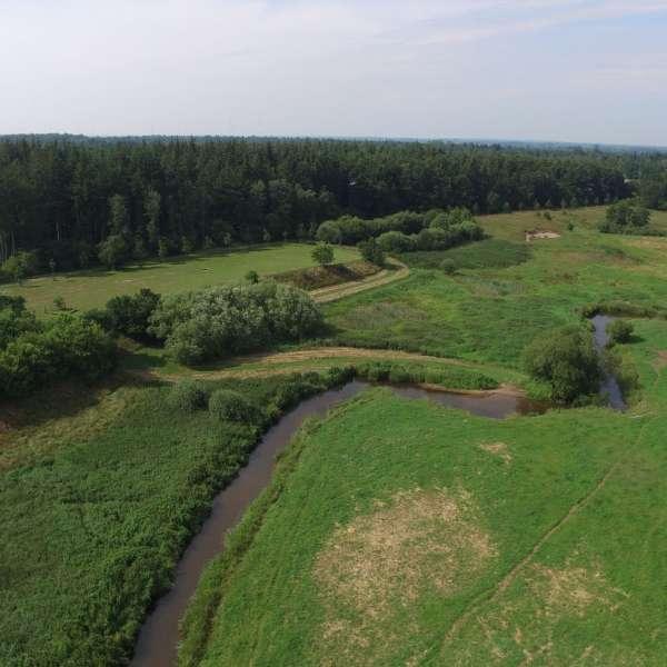 Naturområdet med floden Trenen ligger lige op til Spejdergården Tydal i Eggebæk