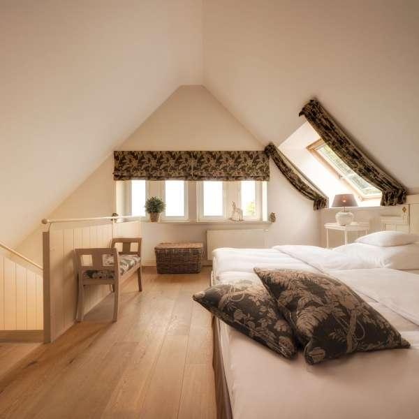 Soverummet i Fjordgalleri-værelset på Vitalhotel Alter Meierhof i Lyksborg