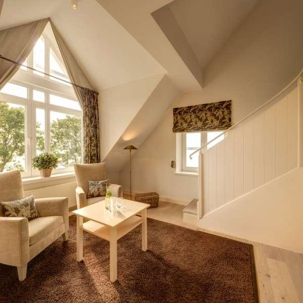 Stueetagen i Fjordgalleri-værelset på Vitalhotel Alter Meierhof i Lyksborg