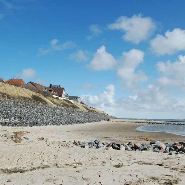 Vandrehjemmet i Vitdyn på Amrum set fra Stranden