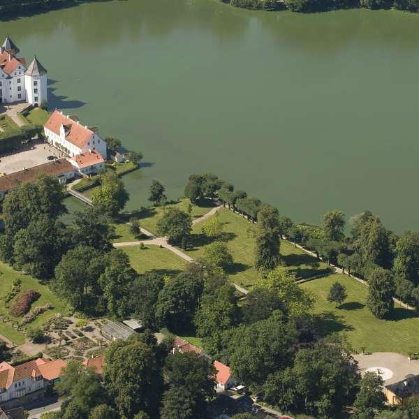 Luftbillede af Lyksborg Slot ved Flensborg