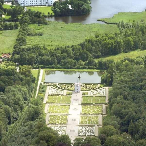 Luftoptagelse af barokhaven på Gottorp Slot i Slesvig