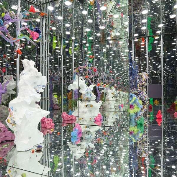 Spejlkabinet på kunstudstillingen NordArt i Bydelstorp