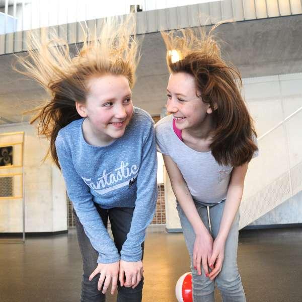 På Phänomenta i Flensborg kan få pustet håret igennem indendørs