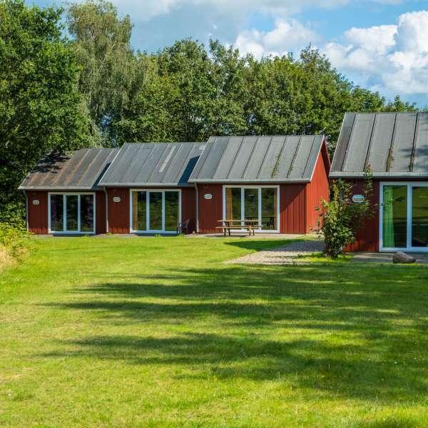 Hytter til udlejning på Mikkelberg - Nordisk center for kunst og cricket i Hatsted