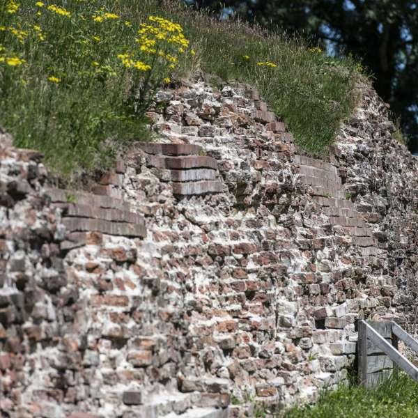 Valdemarsmuren fra et andet perspektiv på Danevirke Museum i Danevirke ved Slesvig