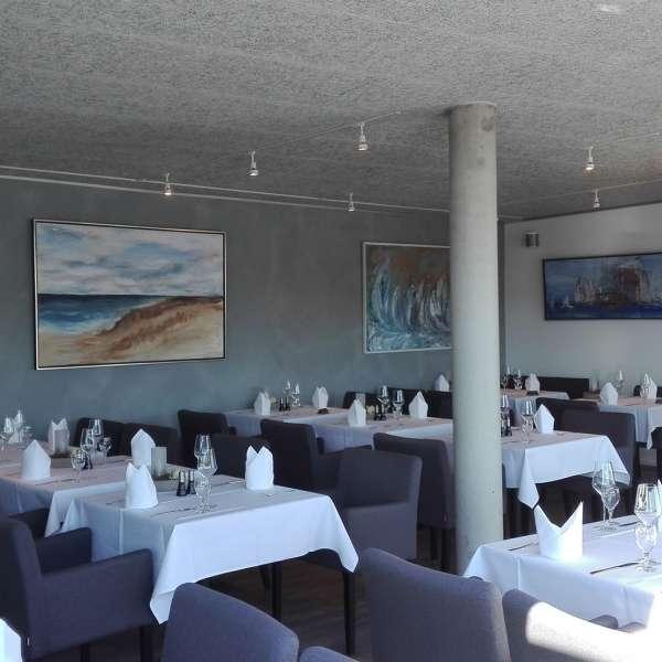 Fint dækkede borde på restaurant Miral i Egernførde