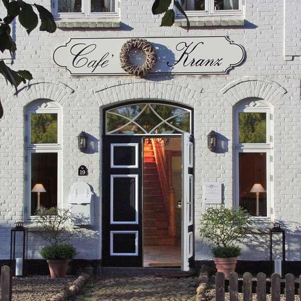 Indgangen til Café Kranz i Nisvrå ved Gelting