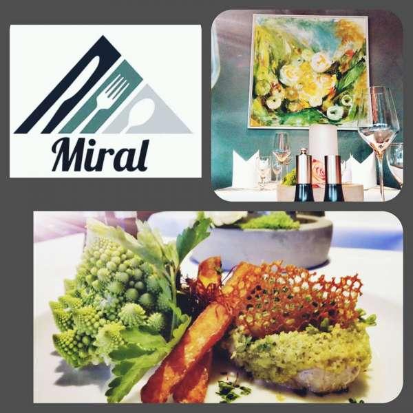 Kalvesteak med krydderiskorpe på restauranten Miral i Egernførde